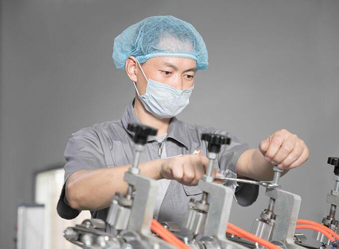bảo trì máy sản xuất ống hút giấy