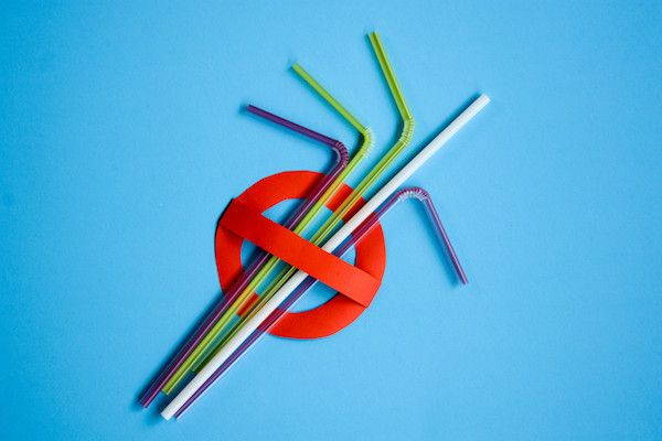 China to ban plastic straws